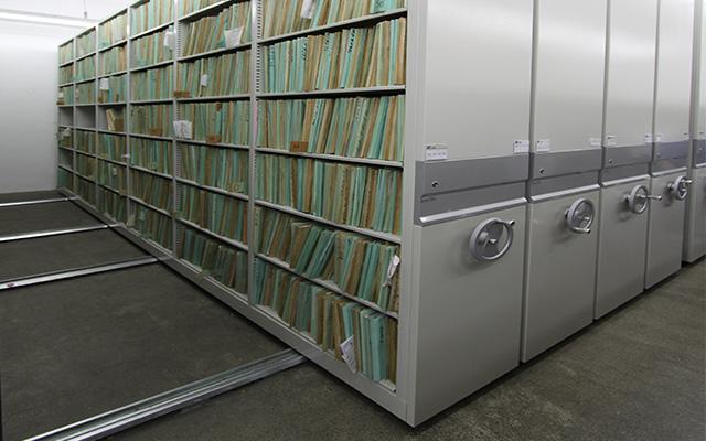 Arquivos deslizantes grandes acervos